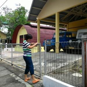 Salah satu pengunjung musium rumah bundar yang kecewa lantaran musium kebanggaan Tarakan tersebut tutup (run)