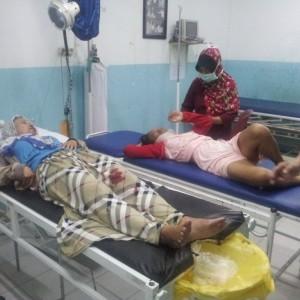 TI dan Ibunya SI saat dirawat di rumah sakit (ctr)