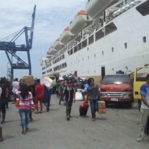 KM Bukit Siguntang saat berlabuh di Kota Tarakan dan mengangkut pemudik (ctr)