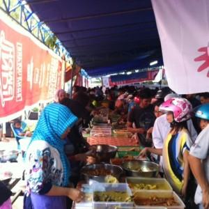 Penjual takjil di salah satu pasar ramadan di Tarakan (HFA)