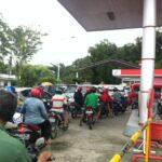 Antrian_Panjang_SPBU_Mewarnai_Hari_Kemerdekaan_Indonesia_2