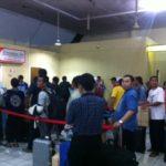 Kepadatan_Terminal_Bandara_Juata_Tarakan_Mudik_Lebaran_2014 1