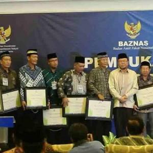 Baznas Kab-Kota Penerima Zakat Award 2014  (Baznas Tarakan)