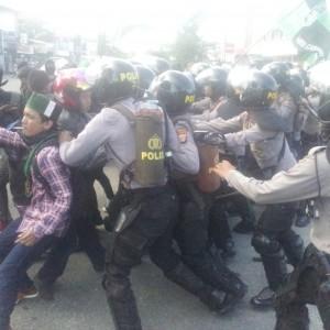 Demo HMI Tarakan Yang Berujung Bentrok Dengan Pihak Kepolisian (ctr)