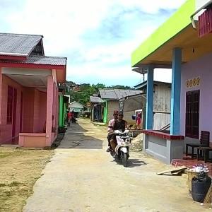 Salah satu sudut Lokalisasi Sungai Bengawan, 5 Tahun Menunggu Janji Pemkot Untuk Ketersediaan Aliran Listrik dan Air Bersih PDAM (fir)
