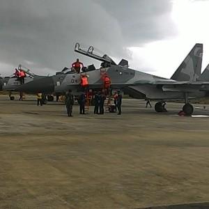 Pesawat Tempur Jenis Sukhoi Disiagakan di Lanud Tipe C Tarakan, Untuk Menjaga Kemanan Teretorial Perbatasan Indonesia (Kaltara) dengan Malaysia. (run)