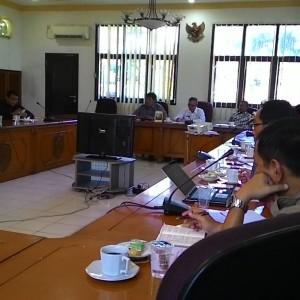 Walikota Ir.Sofian Raga Bersama Dewan Menggelar Rapat Bahas Persoalan Tabung Gas Elpiji 3 Kg (run)