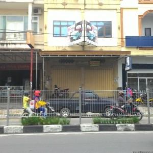 Foto : Rumah vera yang tertutup (run)