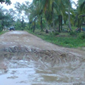 Kondisi Jalan Binalatung (amal Baru) semakin parah, dan rencananya Proyek Pengerjaan Jalan Ring Road Juata - Binalatung Akan dikerjakan Tahun Ini