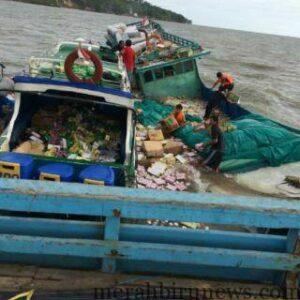 Kapal Barang Bunga Lia 2 Yang Tenggelam Diperairan Tanjung Bunyu Akibat Terkena Gugusan Karang (ctr)