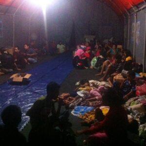 kondisi pengungsi saat berada di tenda darurat (hfa)