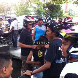 pemuda pencuri helm yang hampir dihajar massa (hfa)