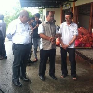 Wakil Walikota Khaerudin Arief Hidayat didampingi Asisten Administrasi Firmananur bersama  keluarga Vera Chandra saat menjemput jenazah (hfa)