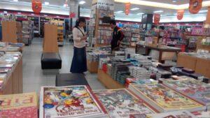 Untuk Sementara Waktu Gramedia Buka, dan Masyarakat Masih Bisa Mencari Keperluannya di Toko Buku Terbesar Yang Ada di Kaltara. (run)