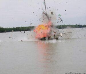 Dua kapal nelayan asing yang diledakan (hfa)