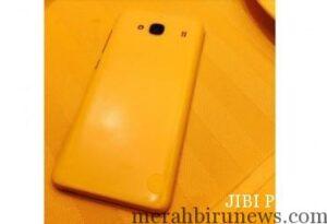Penampakan smartphone murah Xiaomi (phonearena.com)