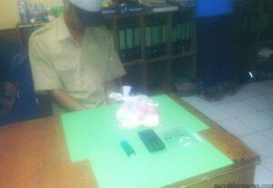 Oknum PNS berinisial DT saat diamankan di mako Polres Tarakan (ctr)