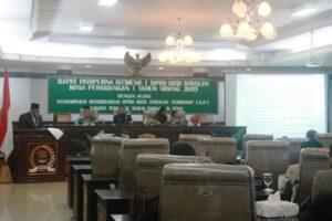 Suasana Paripurna penyampaian rekomendasi LKPJ Walikota Tarakan  tahun 2014 di gedung DPRD Tarakan (hfa)