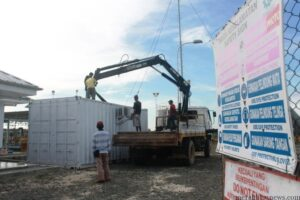 Peralatan yang diangkut vendor lokal yakni kontainer yang berisi alat pengoperasian gas dari Sumur PT MKI ke mesin milik PT PLN Tarakan (hfa)