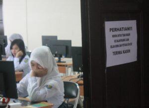 Pelaksanaan UN CBT di SMA Negeri 1 Tarakan (hfa)