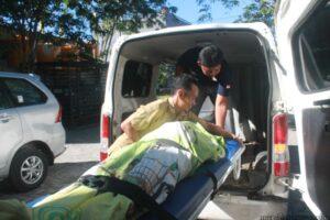 Jenazah SR saat akan dibawa ke RSUD Tarakan untuk proses visum (hfa)