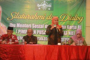 Kofifah pamerkan Kartu Indonesia Sehat (hfa)