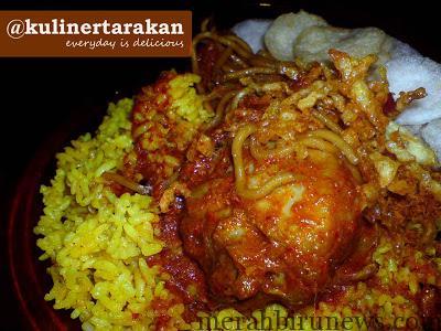 Nasi kuning Bu Dedeh (tarakankuliner.blogspot.com)