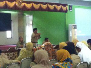 Kadisdik Tarakan Ilham Noor saat lakukan arahan kepada sejumlah Kepala Sekolah yang ada di Tarakan terkait PPDB (hfa)