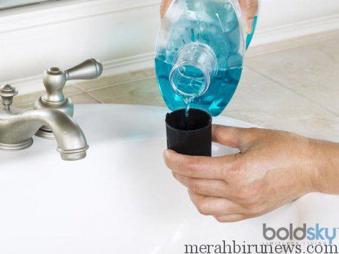 Cairan Pencuci Mulut Untuk Membantu Menghilangkan Bau Mulut Saat Berpuasa