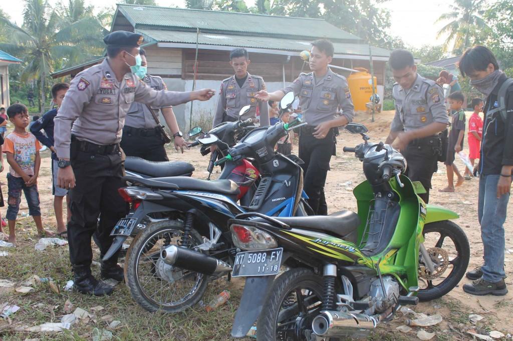 3 Motor penjudi sabung ayam yang diamankan petugas di lokasi (hfa)