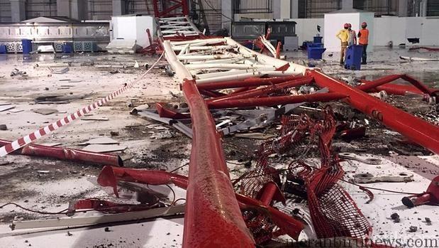 Foto Crane Jatuh Di Masjidil Haram