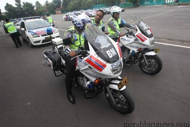 Ilustrasi Pengawalan Dari Kepolisian