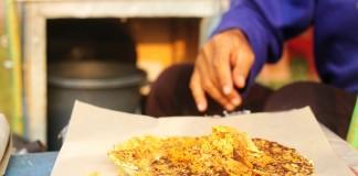 Jajanan Kuliner Kerak Telor Khas Jakarta di Tarakan