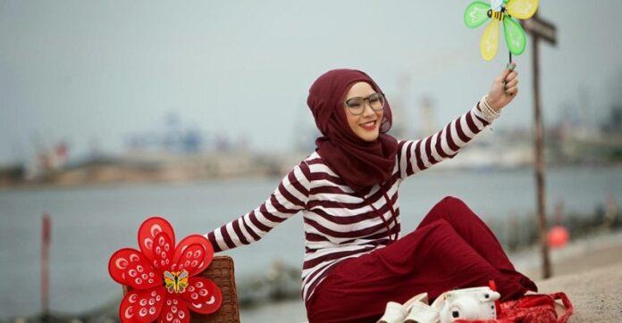 Begini Lho Caranya Memilih Model Hijab untuk Pemilik Wajah Bulat!