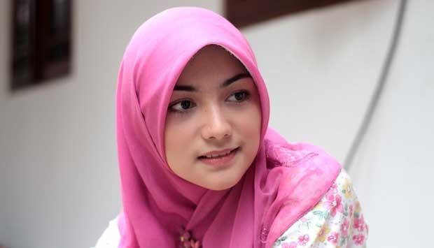 Buat Gaya Hijabmu Makin Keren dengan Tips Hijab Segitiga